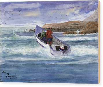 Dory Boat Heading To Sea Wood Print