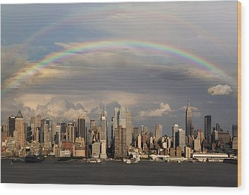 Double Rainbow Over Nyc Wood Print by Susan Candelario