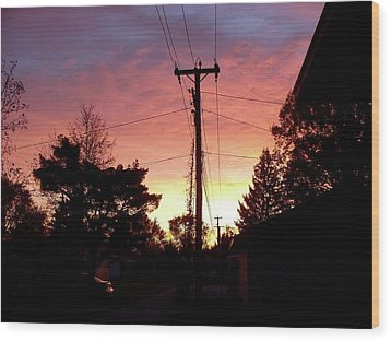Down The Alley Sunrise Wood Print by Thomas Woolworth