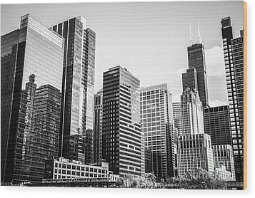 Downtown Chicago Buildings In Black And White Wood Print by Paul Velgos