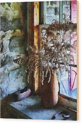Dried Flowers On Windowsill Wood Print by Susan Savad