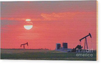 Wood Print featuring the photograph Rising Full Moon In Oklahoma by Janette Boyd