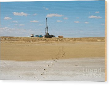 Drilling In The Desert. Wood Print by Alexandr  Malyshev