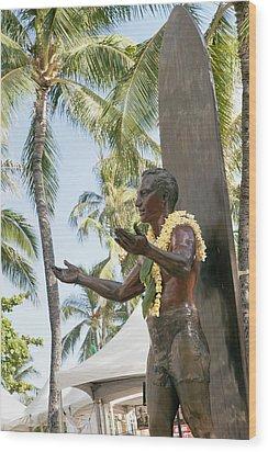 Duke Kahanamoku Statue Wood Print by Brandon Tabiolo