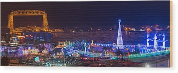 Duluth Christmas Lights Wood Print by Paul Freidlund