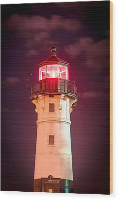 Wood Print featuring the photograph Duluth North Breakwater Lighthouse by Mark David Zahn