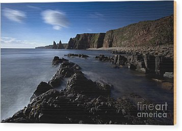 Duncansby Head Wood Print by Roddy Atkinson