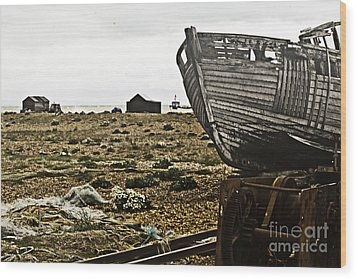 Dungeness Landscape Wood Print by Lesley Rigg
