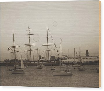 Wood Print featuring the photograph Dusk At Fishermans Wharf by Hiroko Sakai