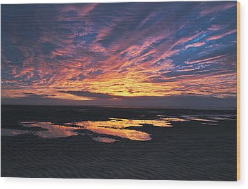 Dusk At The Beach Wood Print