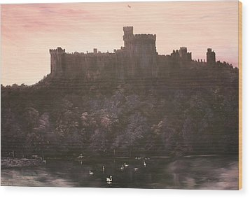 Wood Print featuring the painting Dusk Over Windsor Castle by Jean Walker