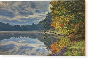 Wood Print featuring the photograph Early Autumn At Caldwell Lake by Jaki Miller