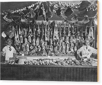 Early Butcher Shop Wood Print by Underwood Archives