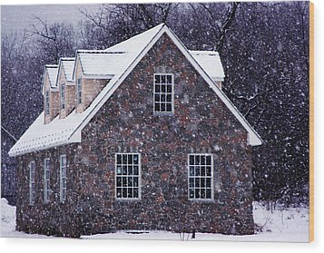 Wood Print featuring the photograph Early January Snow In Maryland by Andy Lawless