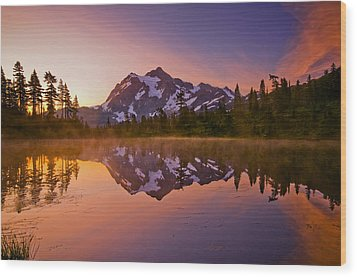 Early Morning At Picture Lake Wood Print by Darren  White