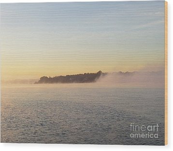 Early Morning Fog Rolling In Wood Print by John Telfer