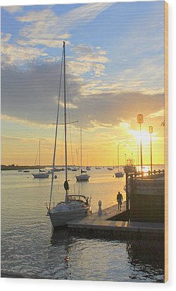 Early Morning In The Harbor Wood Print