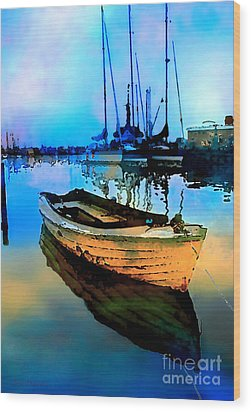Early Tide Wood Print by Barbara D Richards