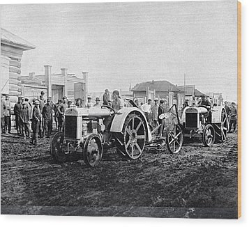 Early Tractors, Russia Wood Print by Science Photo Library