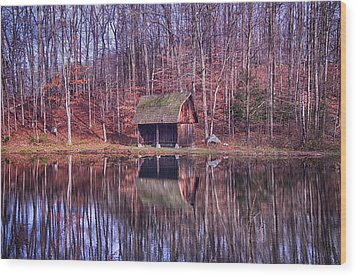 Early Winter At The Boat House Wood Print by Daphne Sampson
