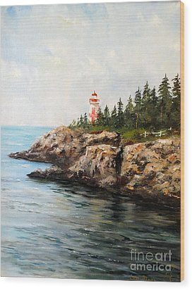 East Quoddy Head Light Wood Print by Lee Piper