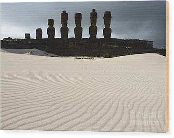 Easter Island 9 Wood Print by Bob Christopher