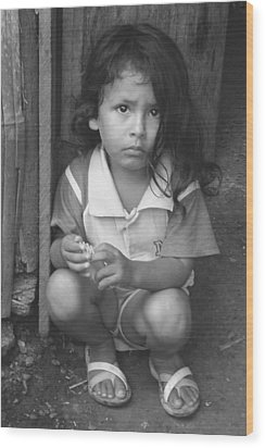 Wood Print featuring the photograph Ecuadorian Girl by Paul Miller