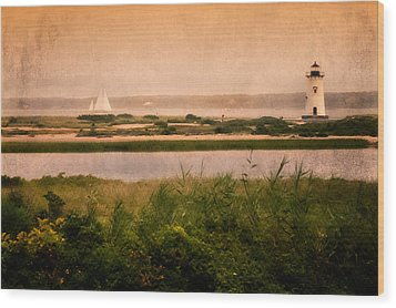 Edgartown Lighthouse Wood Print by Bill Wakeley