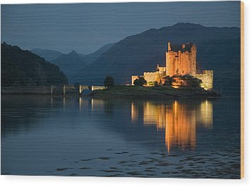 Eilean Donan Castle At Night Wood Print