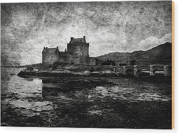 Eilean Donan Castle In Scotland Bw Wood Print by RicardMN Photography
