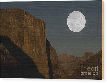 El Capitan And Half Dome Wood Print by Mark Newman