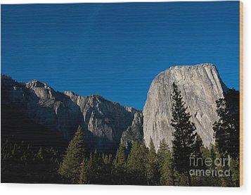 El Capitan, Yosemite Np Wood Print by Mark Newman