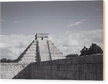 El Castillo Wood Print by Richie Stewart