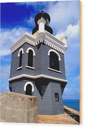 El Morro Lighthouse Wood Print by Carey Chen