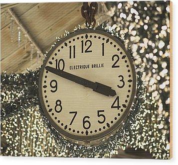 Electrique Brillie Clock In Chelsea Market Wood Print by Rona Black