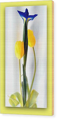Elegance In Bloom Wood Print by Michelle Frizzell-Thompson