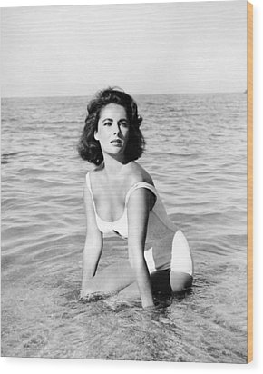 Elizabeth Taylor In Suddenly, Last Summer  Wood Print