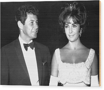 Elizabeth Taylor With Husband Wood Print