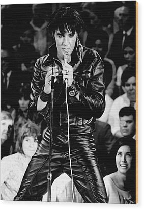 Elvis Presley In Leather Suit Wood Print by Retro Images Archive
