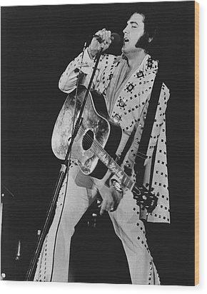 Elvis Presley Sings Wood Print by Retro Images Archive