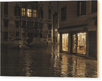 Winter's Night In Venice Wood Print by Marion Galt