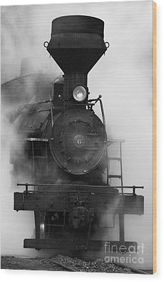 Wood Print featuring the photograph Engine No. 6 by Jerry Fornarotto