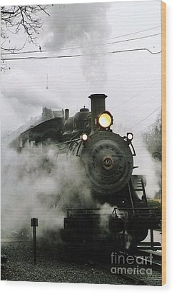 Engine Number 40 Making Steam Pulling Into New Hope Passenger Train Terminal Wood Print