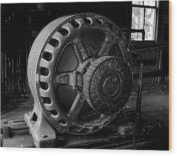 Engine Of A Mad Scientist Wood Print by David Lee Thompson