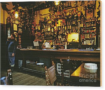 English Pub At Christmas-time Uk 1980s Wood Print by David Davies