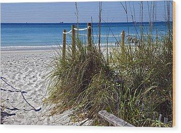 Enter The Beach Wood Print by Susan Leggett