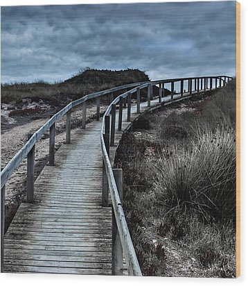 Escalating  Wood Print by Edgar Laureano