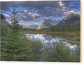 Evening At Vermillion Lakes Wood Print by Darlene Bushue