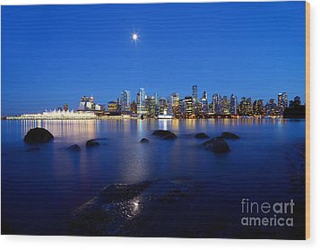 Evening Moon Over Vancouver Harbour 2 Wood Print