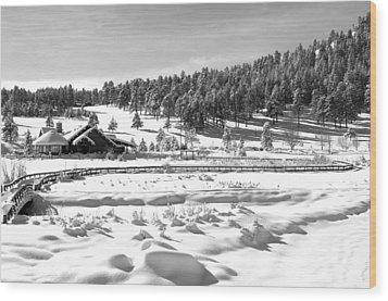 Evergreen Lake House In Winter Wood Print by Ron White